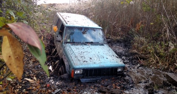 Jeep Cherokee Stuck in Mud