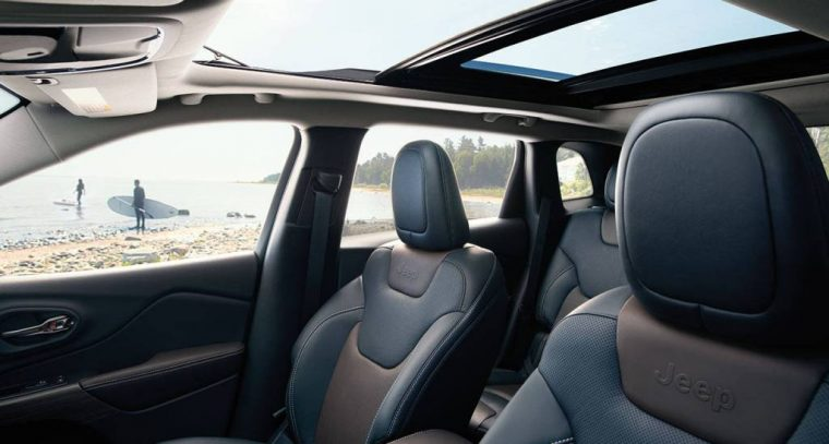 2016 Jeep Cherokee Front Seats