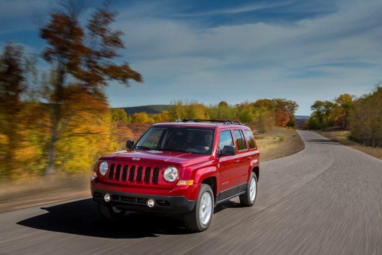 2016 Jeep Patriot Driving