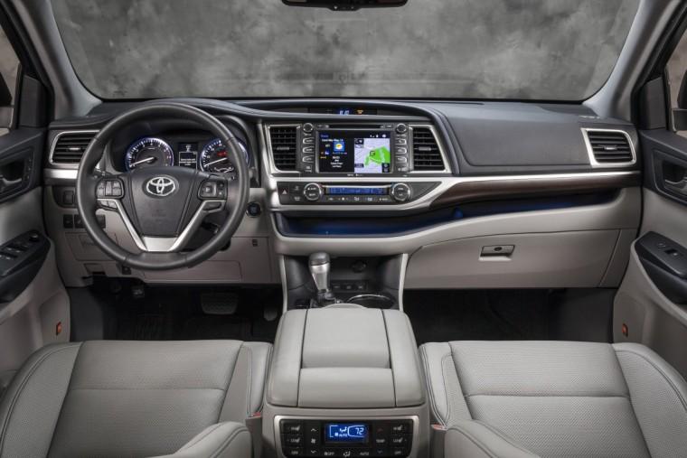 2016 Toyota Highlander overview