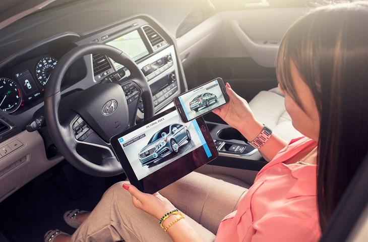 Hyundai Virtual Guide App 3D video owner's manual double-fist