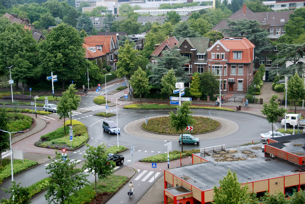 Roundabout circular traffic intersection driving island town