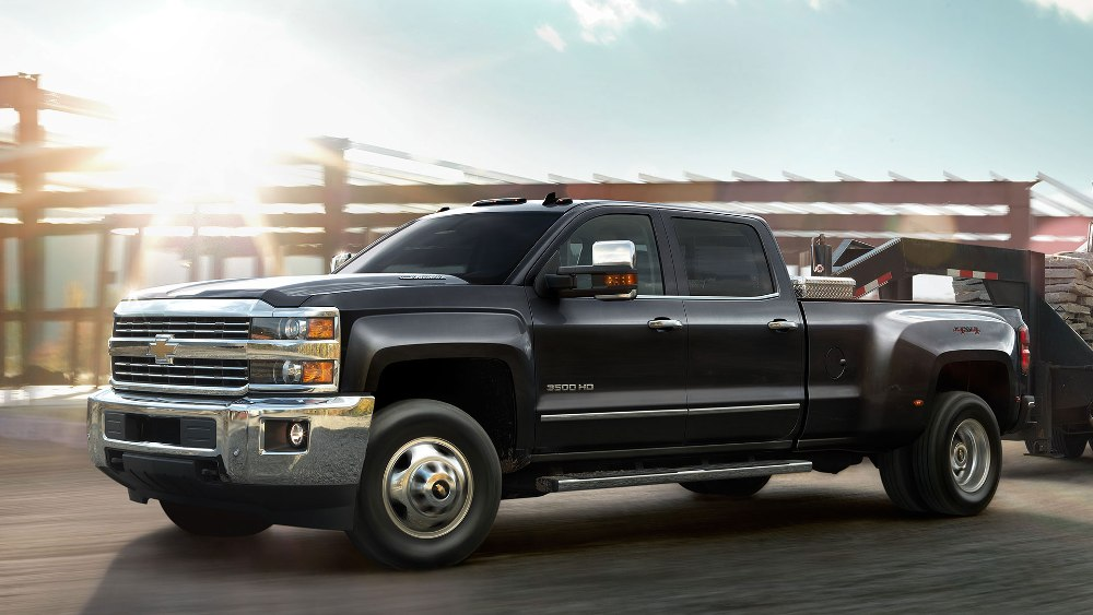 2016 Chevrolet Silverado 3500HD Overview - The News Wheel