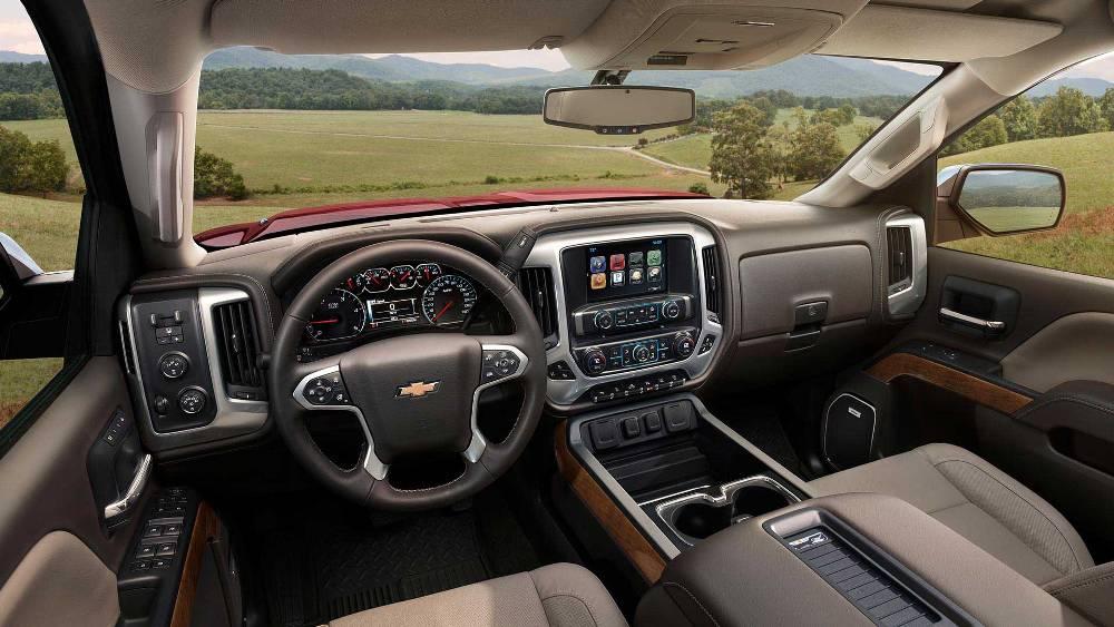 2016 Chevrolet Silverado 3500 HD interior | The News Wheel