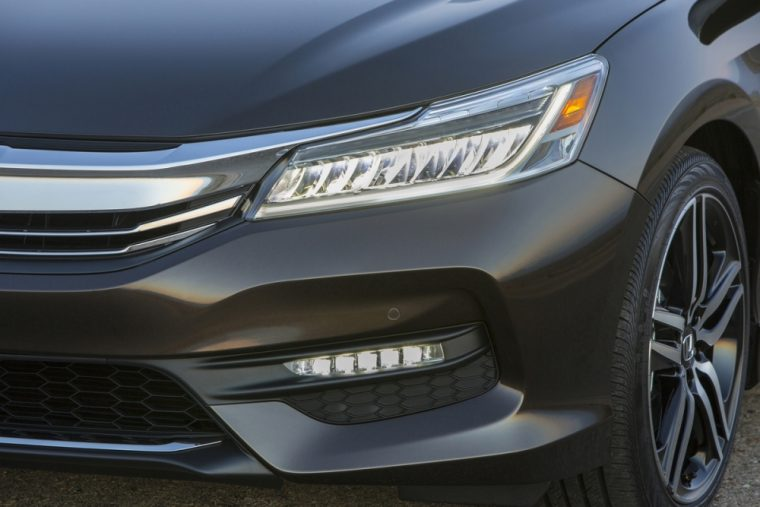 The 2016 Honda Accord comes standard with Projector-beam halogen headlights