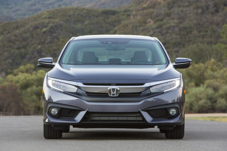 The 2016 Honda Civic sedan features an automatic halogen headlights