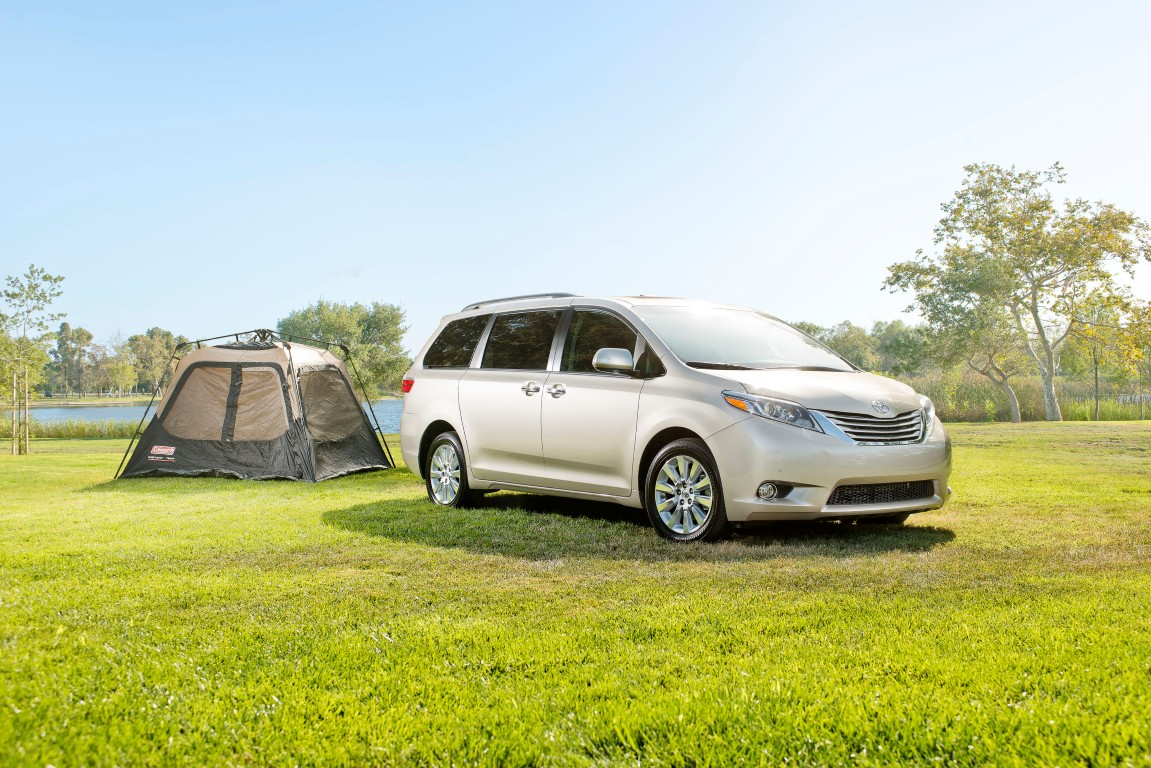 2016 toyota sienna overview the news wheel. Black Bedroom Furniture Sets. Home Design Ideas