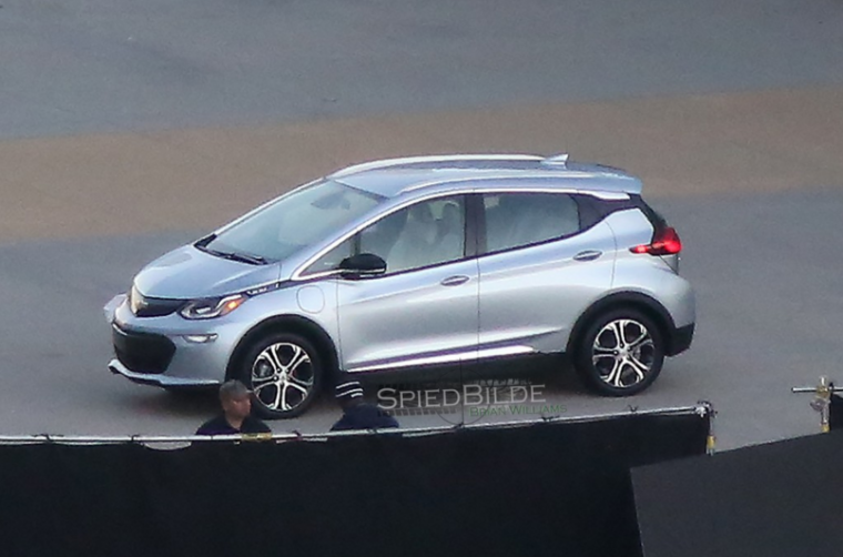2017 Chevy Volt spy shots