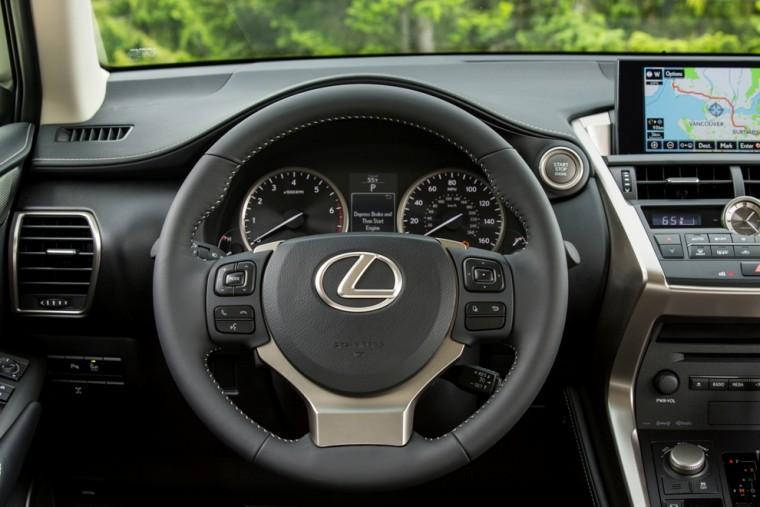 2015_Lexus_NX_200t_013