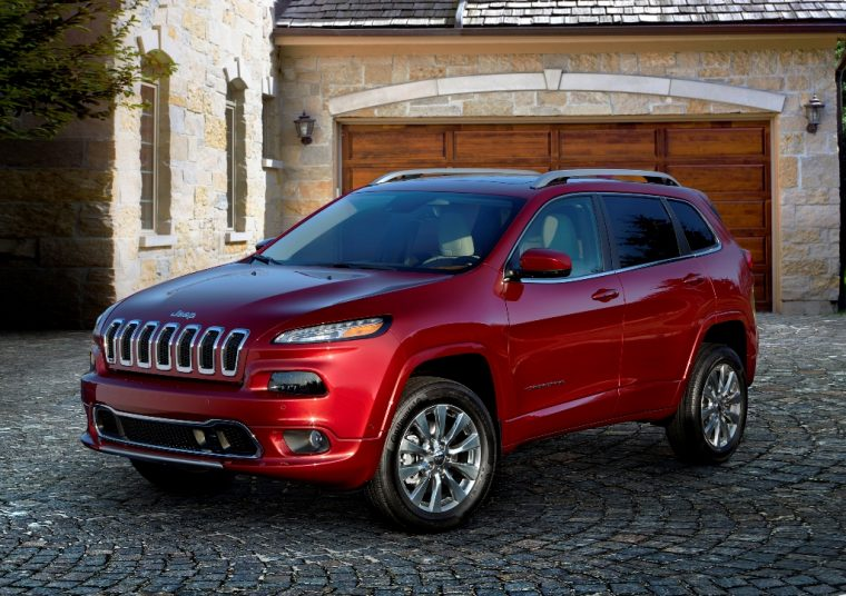 2016 Jeep Cherokee Overland Front End
