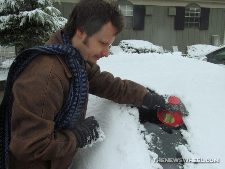 Scrape-A-Round Ice Snow-Scraper Review usage