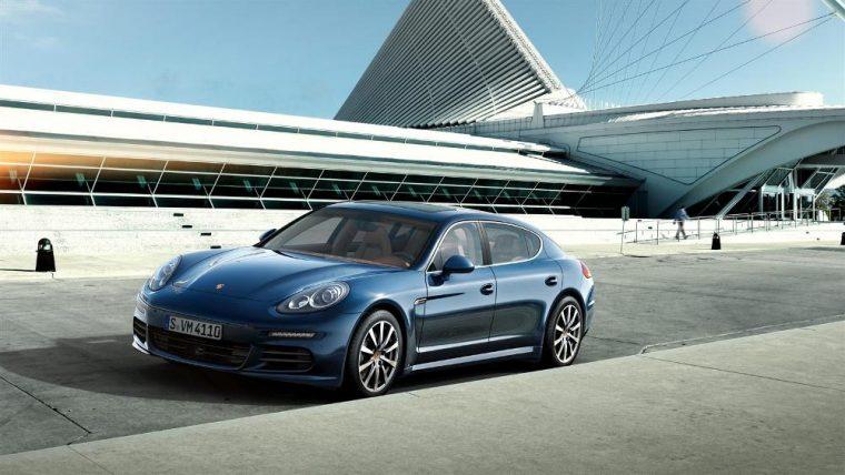 The new 2016 Porsche Panamera