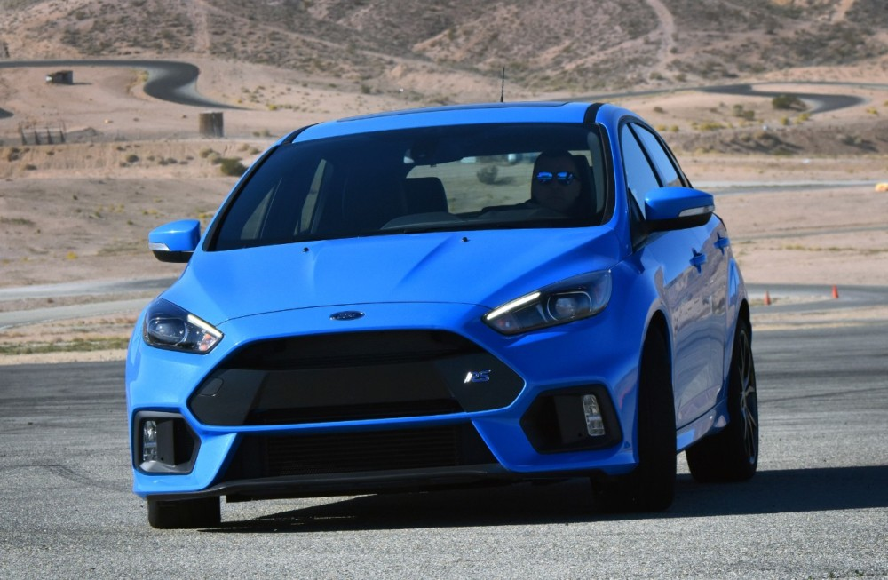 ford focus rs named auto express 39 hot hatch of the year the news wheel. Black Bedroom Furniture Sets. Home Design Ideas