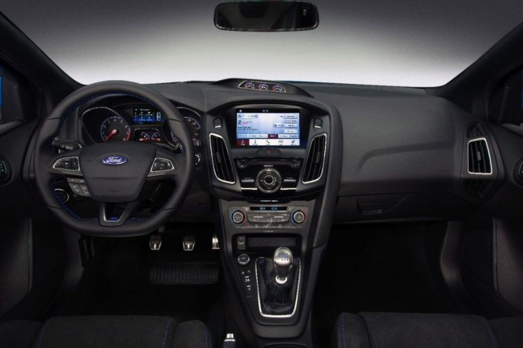 2017 Ford Focus Overview The News Wheel Galeria Del Interior