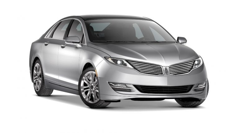 The 2016 Lincoln MKZ carries an affordable price tag, while still providing many luxurious amenities and capable engine options