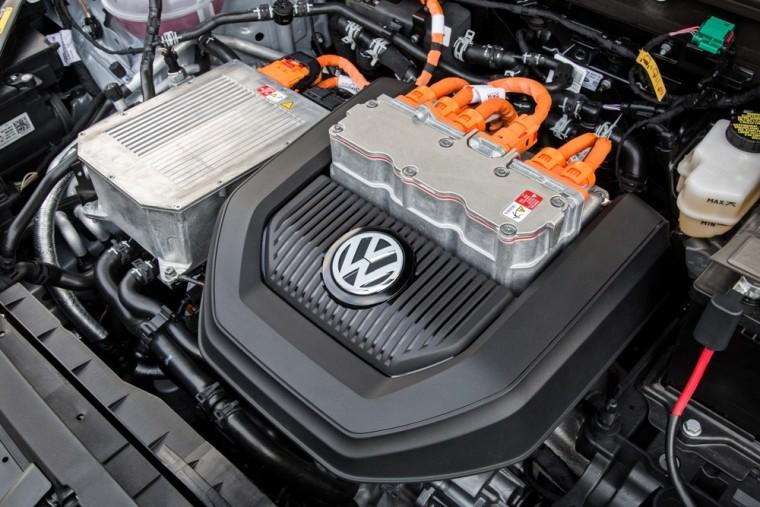 2016 VW e-Golf Under the Hood