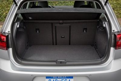 2016 VW e-Golf Trunk