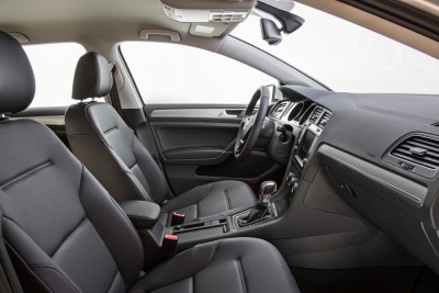 2016 VW e-Golf seats