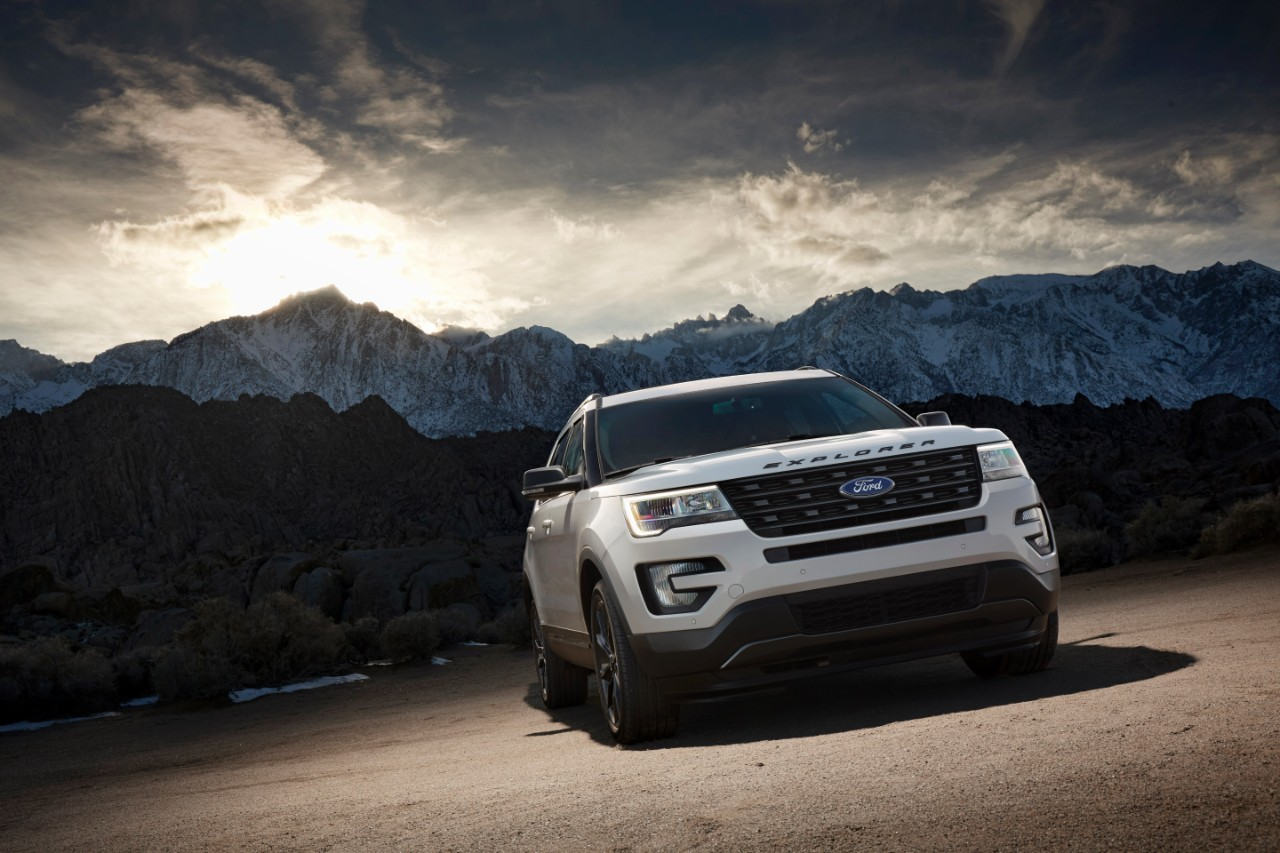 2017 Ford Explorer XLT Sport Appearance Package (13) | The News Wheel