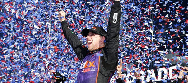denny hamlin wins 2016 daytona 500