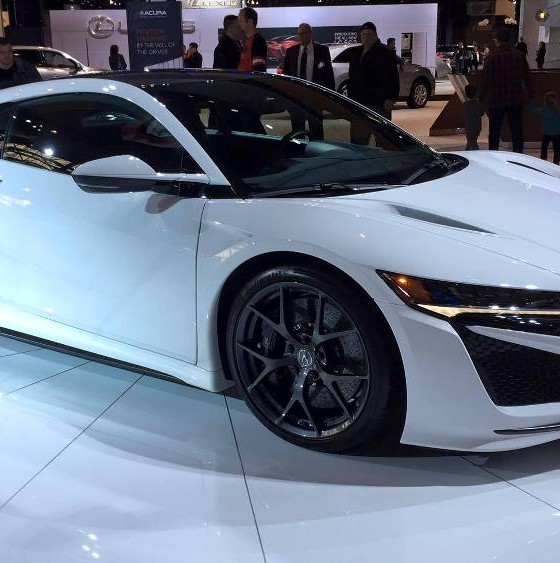 [PHOTOS] Acura Brings White NSX To Cold Chicago For The