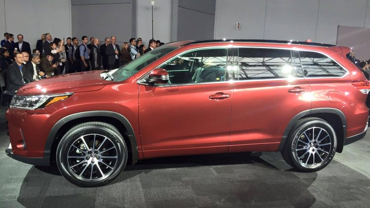 2017 Toyota Highlander At New York International Auto Show