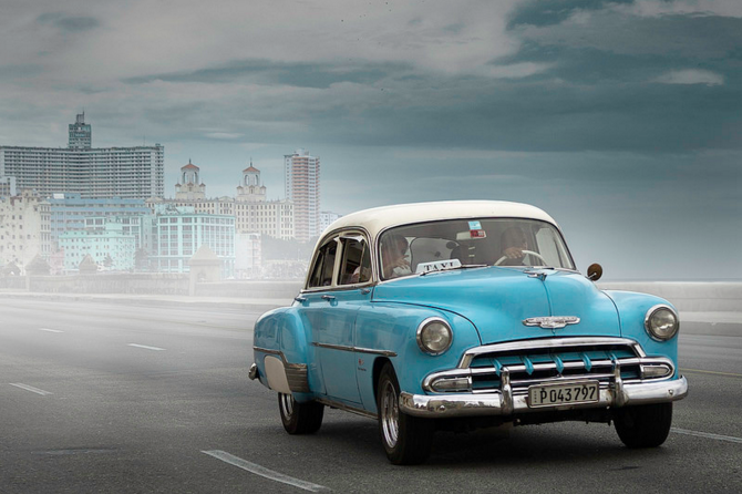 PHOTOS] Obama\u0027s Cuban Visit Reintroduces Cuba\u0027s Classic Cars