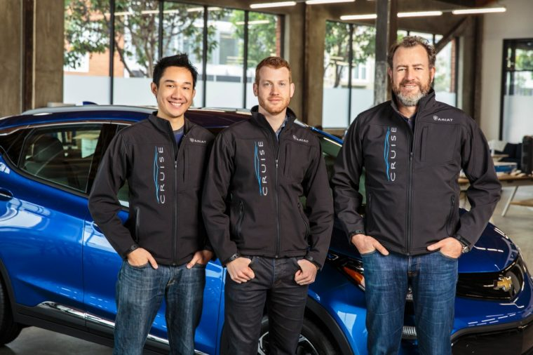 GM President Dan Ammann (right) with Cruise Automation founders Kyle Vogt (center) and Daniel Kan (left)