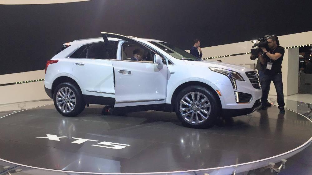Photos Cadillac Brings Xt5 Crossover To New York Auto Show The News Wheel