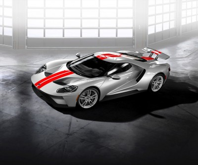 Ford GT Silver wheels with Chrome lug nuts
