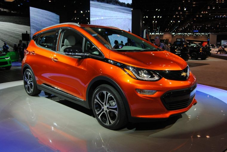 2017 Chevrolet Bolt Ev Set For Production In October The News Wheel