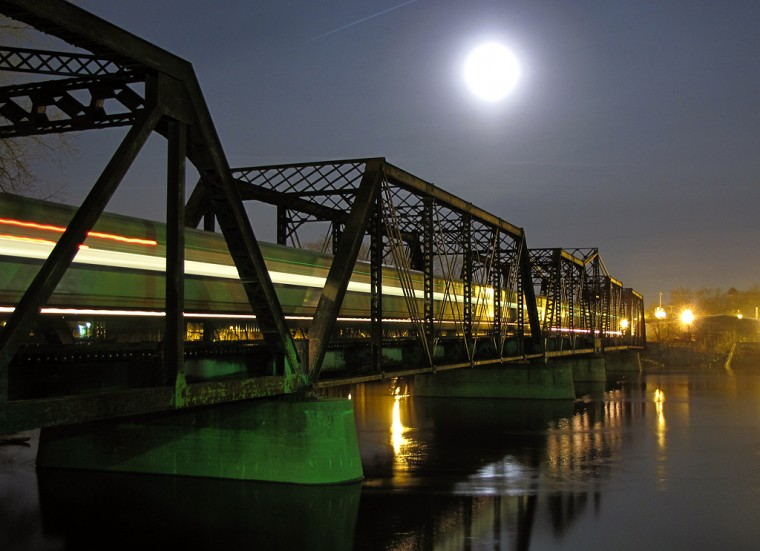 Grand Rapids Michigan train