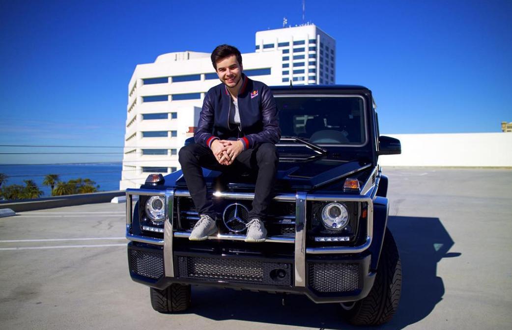 5 Celebrities Who Own Mercedes Benz G Class Suvs The News Wheel