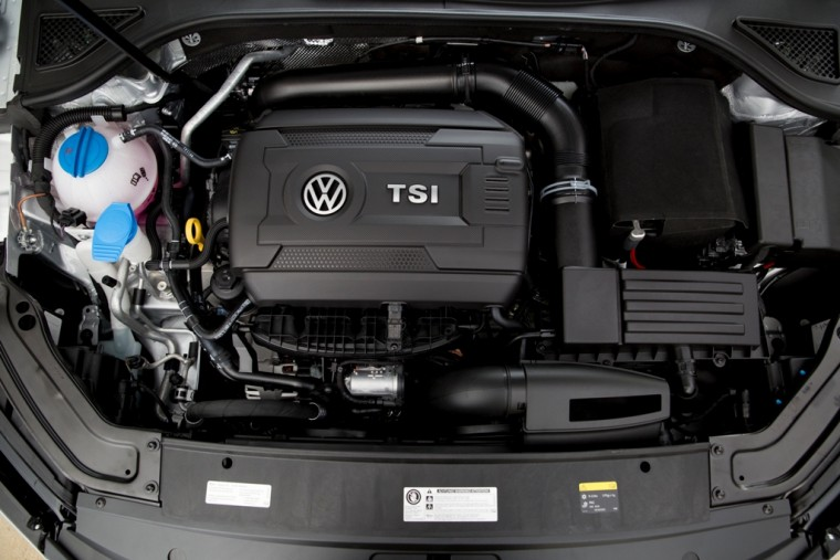 2016 Volkswagen Passat Overview engine