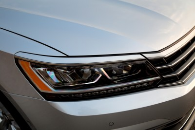 2016 Volkswagen Passat Overview headlights