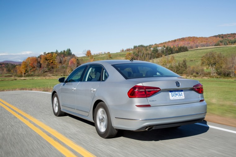 2016 Volkswagen Passat Overview rear