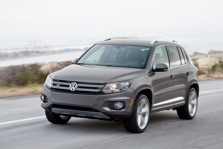 2016 Volkswagen Tiguan Overview front