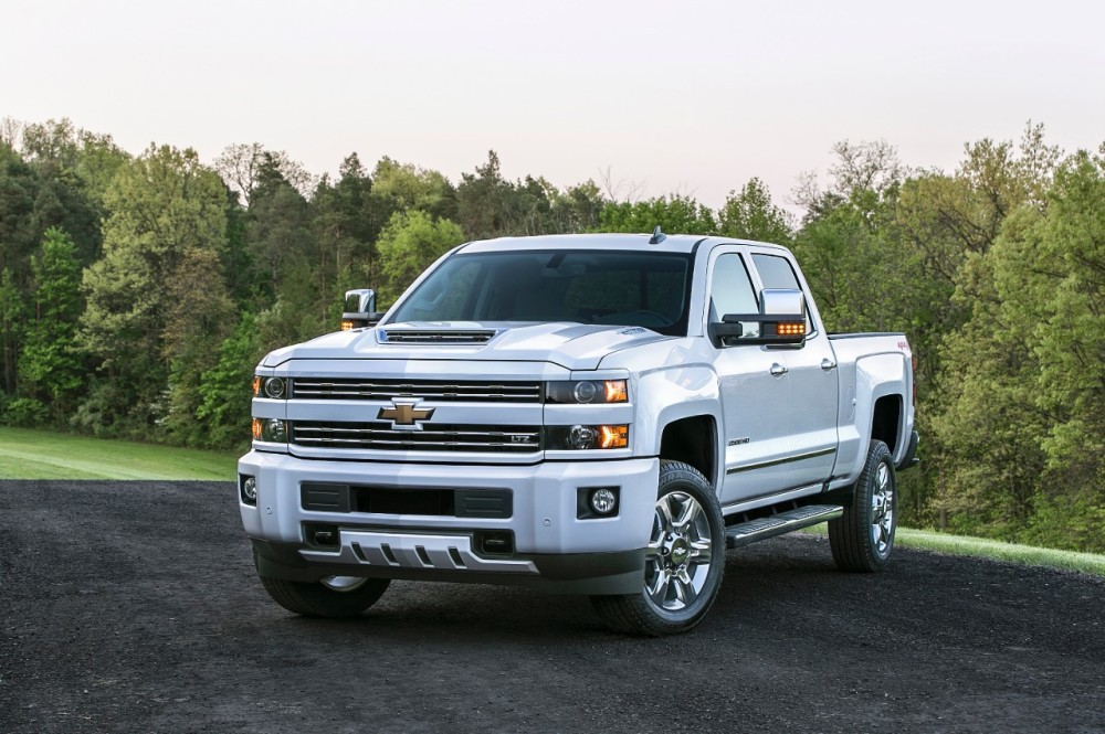 New Air Intake System Will Enhance 2017 Chevy Silverado Hd S Towing Abilities The News Wheel