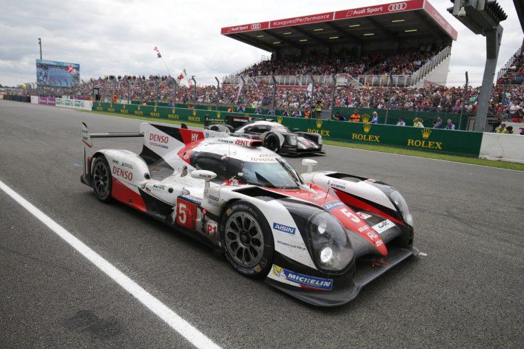Porsche passes Toyota on the last lap