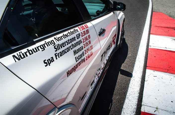 Honda Civic Type R sets records at European tracks for FWD models