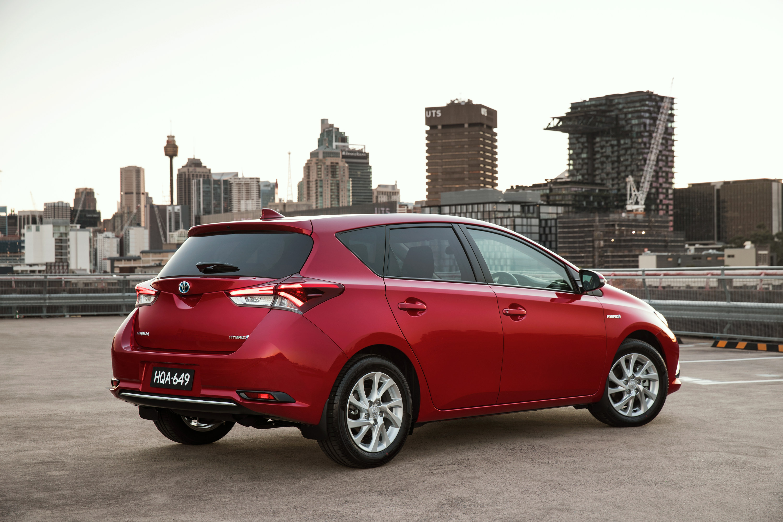 Australian Corolla Hybrid Has 1 000 Kilometer Driving Range The News Wheel