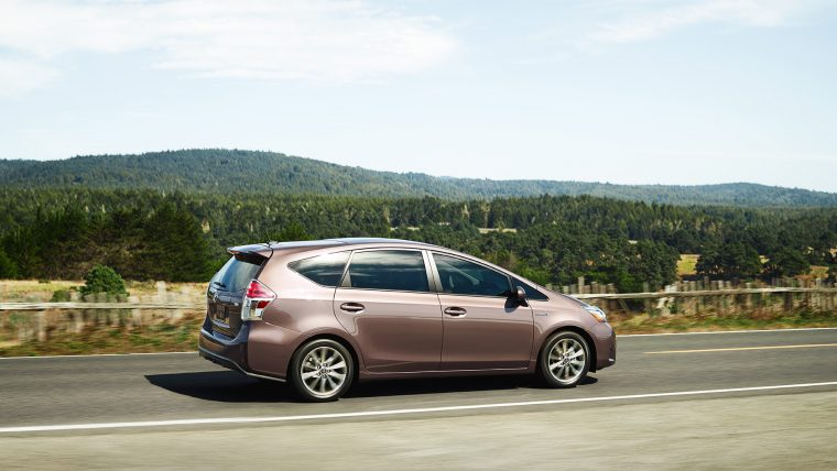 2017 Toyota Prius v Overview