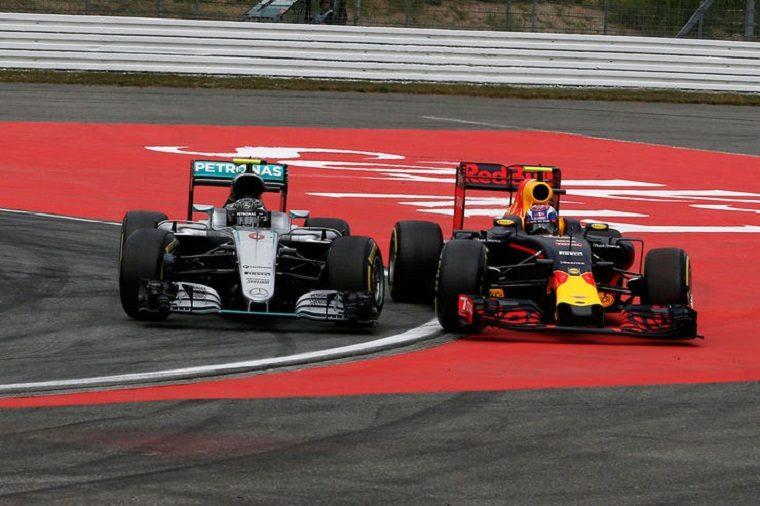 2016 German Grand Prix - Nico Rosberg vs Max Verstappen