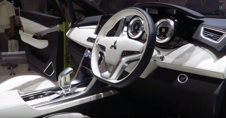 Mitsubishi XM Concept Dashboard