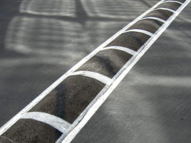 speed bump hump speed deterrent strip