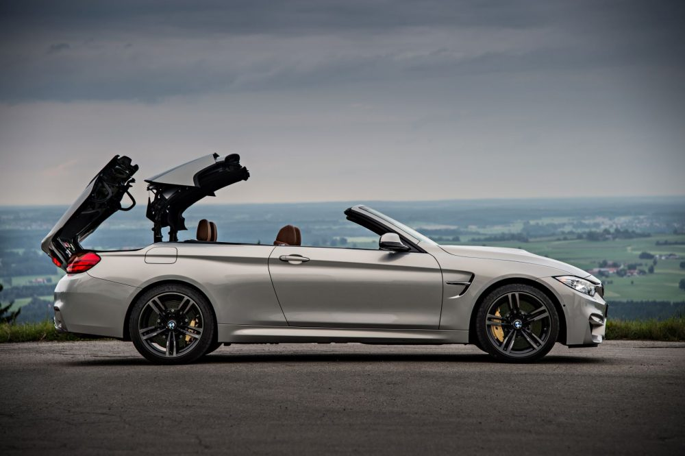 2015 BMW M4 Convertible hard top retracting