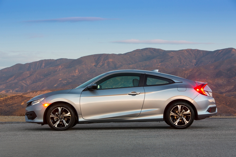 2017 honda civic coupe overview the news wheel - 2016 honda civic si coupe interior ...
