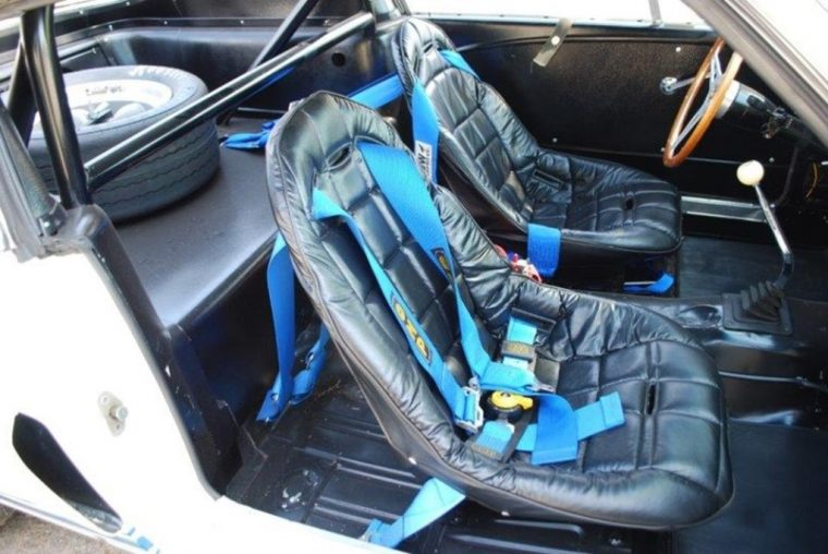 sir-stirling-moss-1966-shelby-gt350-mustang-auction-seats