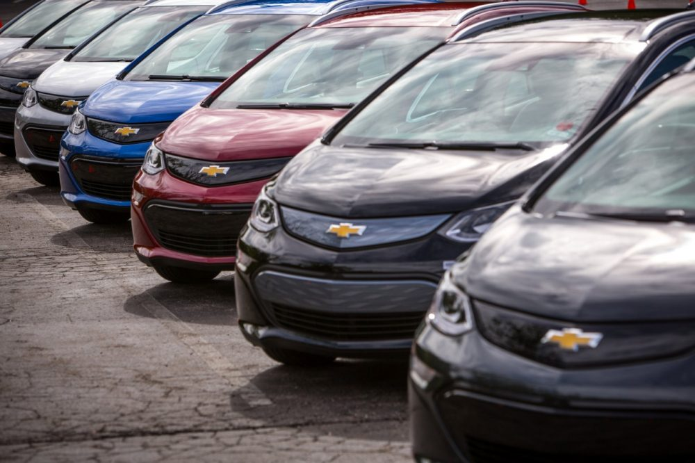 Several 2017 Chevrolet Bolt EVs lined up on a lot