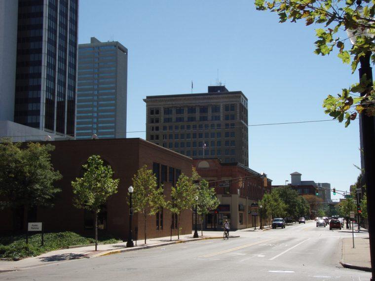 Fort Wayne Indiana highways driving travelling navigating